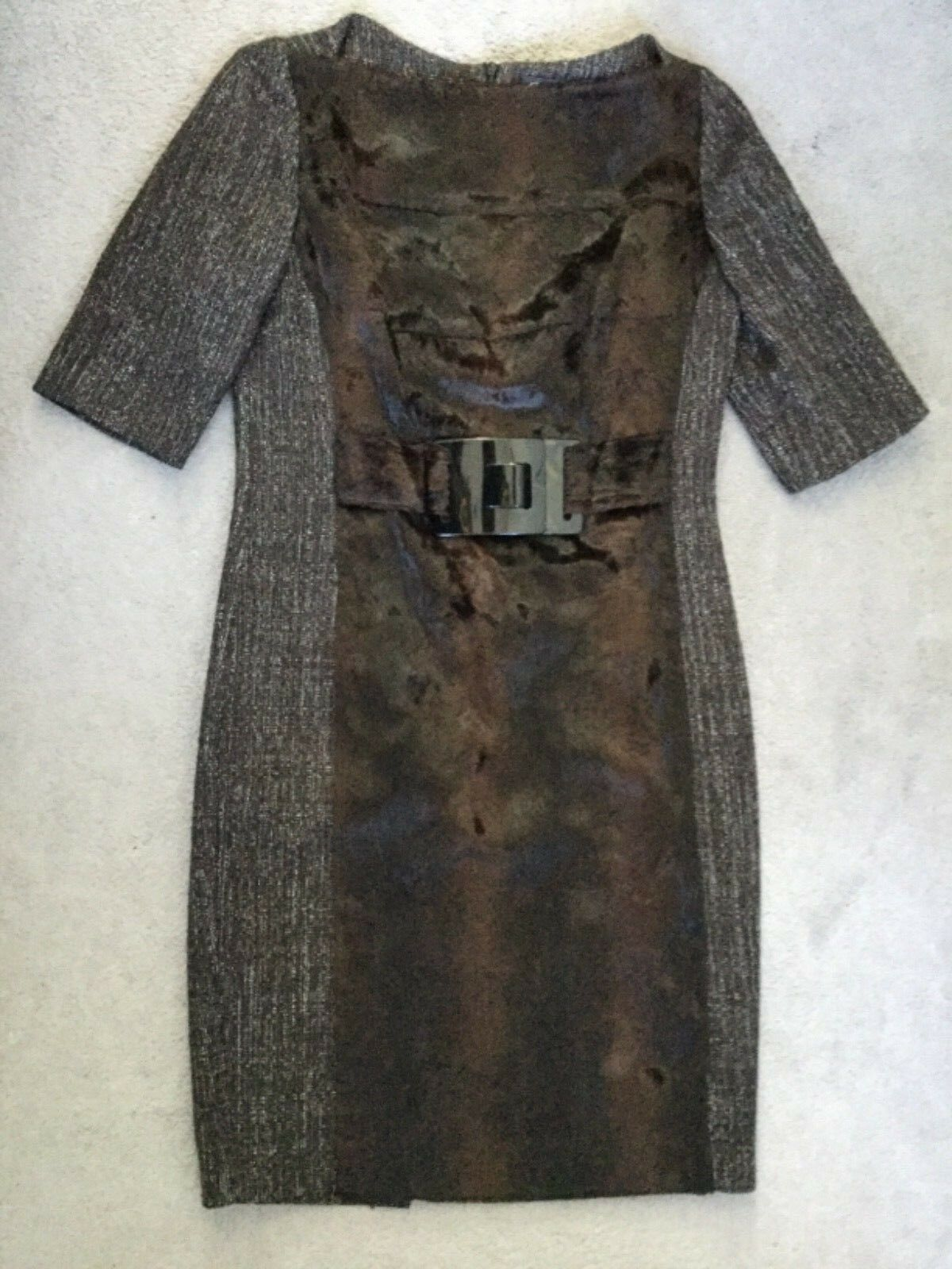 DESIGNER DRESS IN BROWN WOOL WITH FAUX FUR DOWN CENTRE FRONT + BELT CLASP - 42