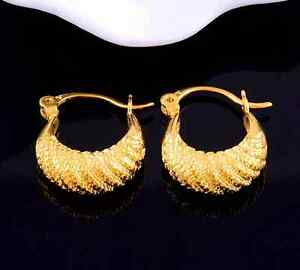 Ohrringe-gold-Ohrstecker-goldfarbene-sehr-kleine-Ohrhaenger-Creolen-Ohrhaenger
