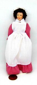 1:12 Scale Maid Dans Un Rose Foncé Robe Tumdee Maison De Poupées Miniature People-poupée-afficher Le Titre D'origine
