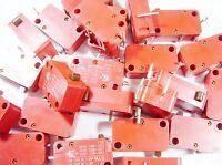 30 Stück Endschalter Schalter Taster 1xEIN 250V 16A Marquardt Print #13-3#15S21#