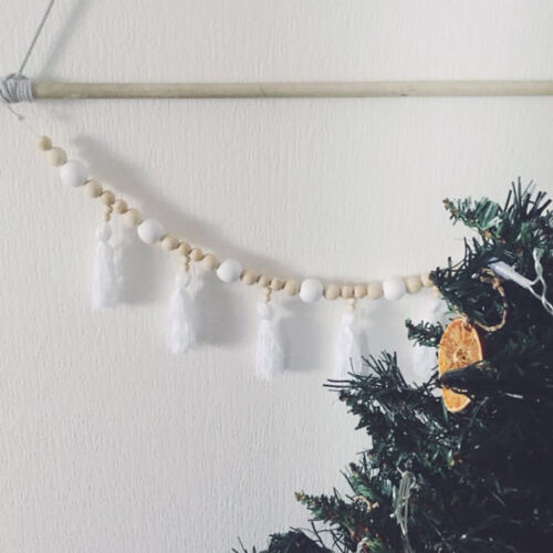 EG/_ EE/_ CUTE WOODEN BEADS TASSELS CHAIN BABY ROOM WALL DECORATION ORNAMENT GIFT