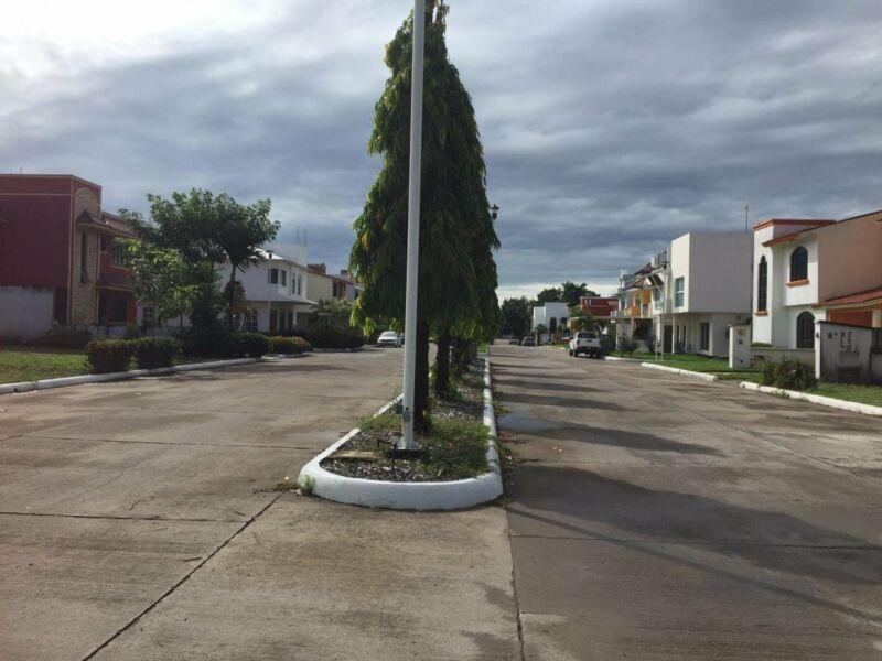 Lote 3 Terreno 160 m2 Fraccionamiento Rincón del Bosque