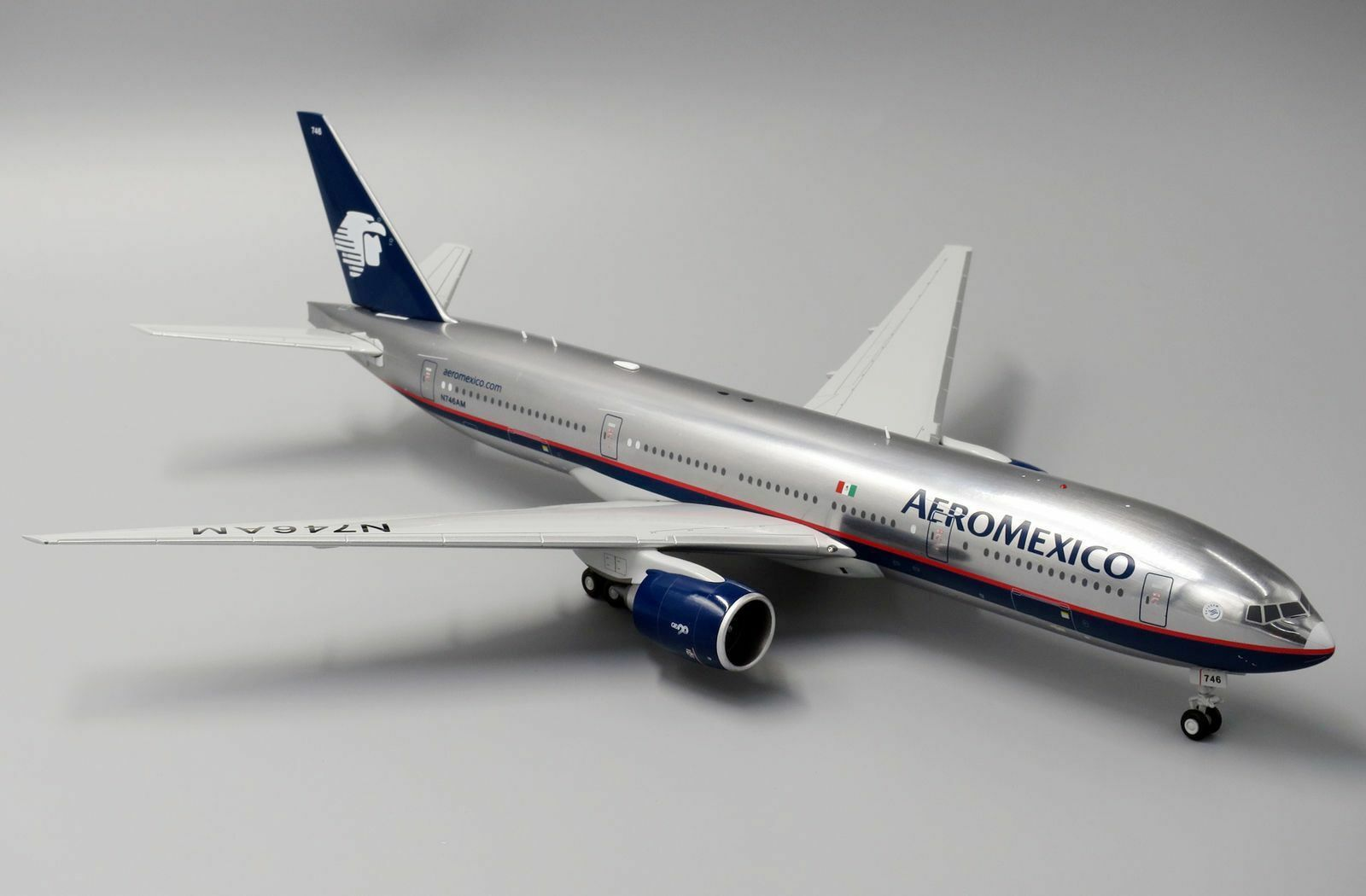 Jc Wings LH2083 1/200 Aeromexico Boeing 777-200er N746am con Supporto