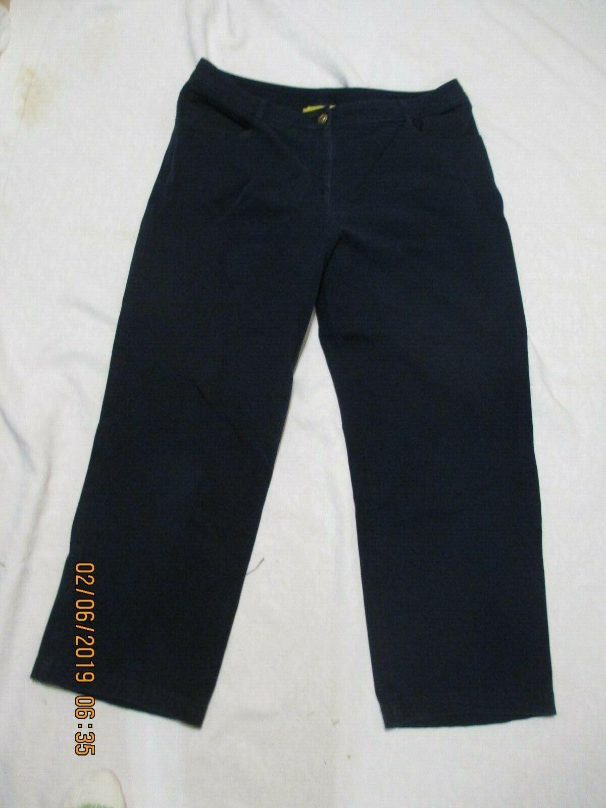 ST. JOHN cropped capri pants size 12 navy bluee stretchy