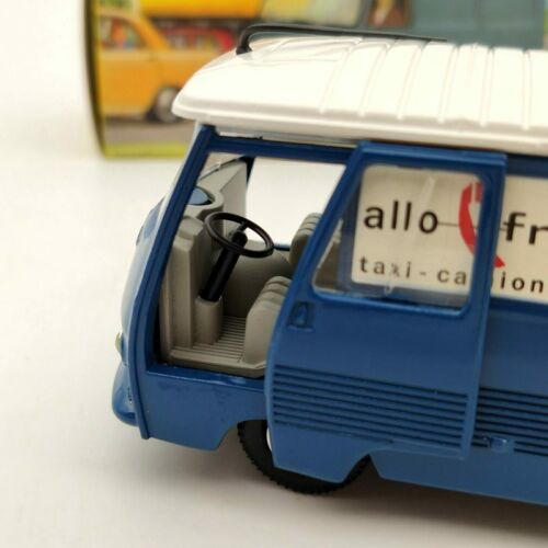 1:43 Atlas Dinky Toys 570 Fourgon Tole J7 Peugeot Diecast Models Collection Used