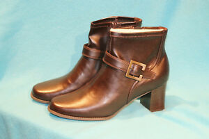 NEW-ZODIAC-SANDRA-BROWN-LADIES-LEATHER-GOLD-BUCKLES-BOOTS-SIZE-10M-3986353