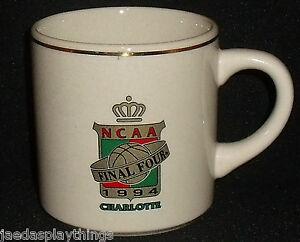 NCAA-Taza-Final-Cuatro-Charlotte-3-75-034-Cafe-Vtg-1994