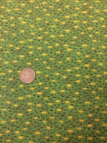 Classic Folk Art 1170 Green Fabri-quilt 100/% Cotton Quilting fabric Spots