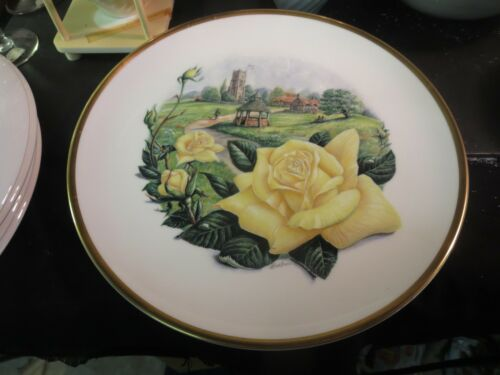 "Boehm Collector's Plate Royal National Rose Society ""Irish Gold"""
