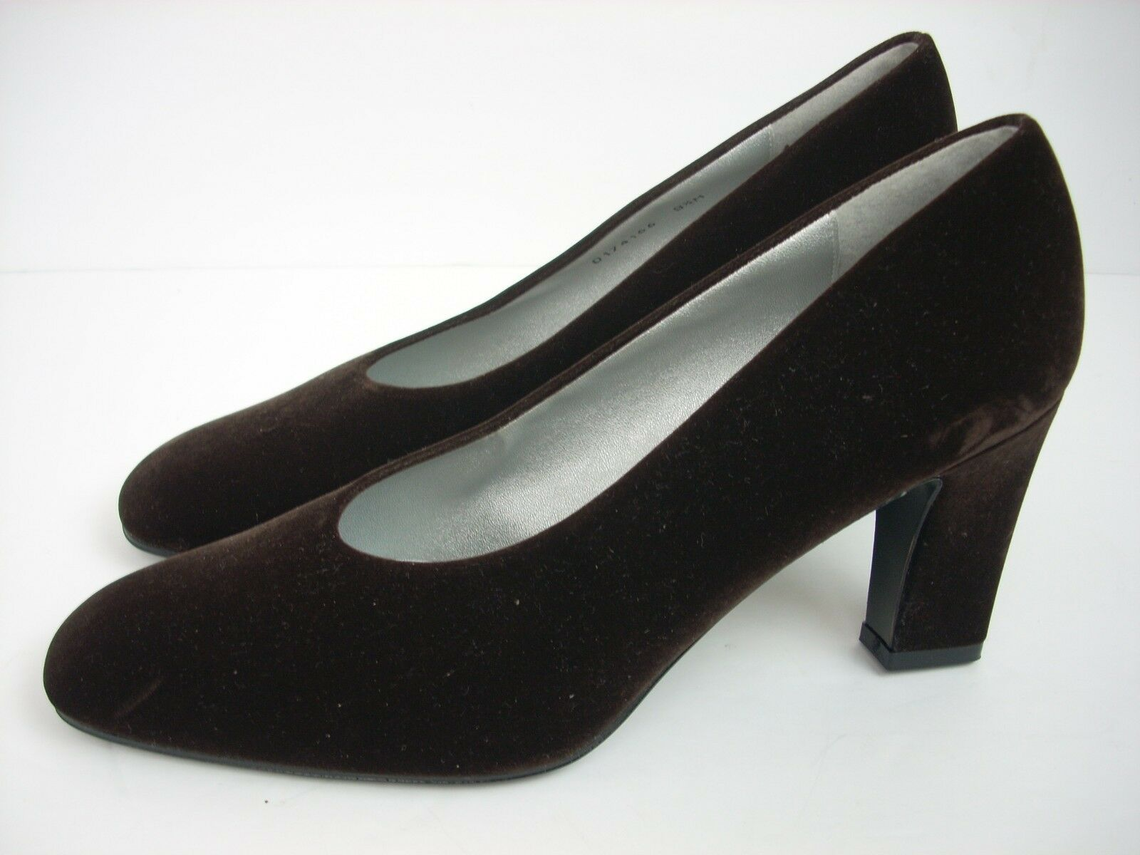 NEW NINA Heels 9 1 1 1 2 Medium braun Suede Pumps schuhe Leather Sole Made In Spain d8e624