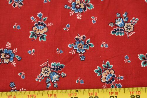 Concord//Joan Kessler,B1344 By 1//2 Yd Blue /& Gold Floral on Red Cotton Vintage