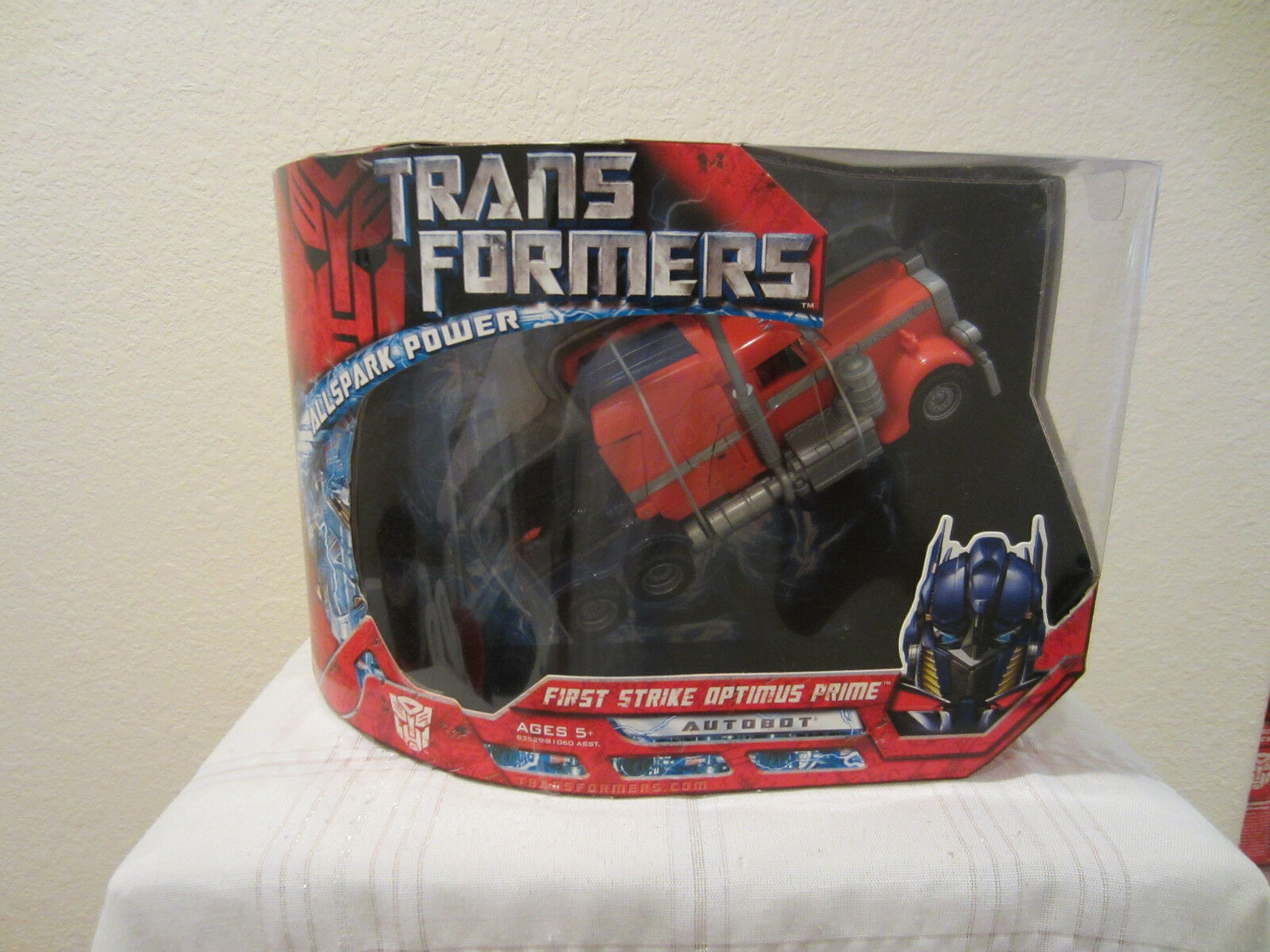 Hasbro Transformers Movie Voyager Class Autobot First Strike Optimus Prime MISB