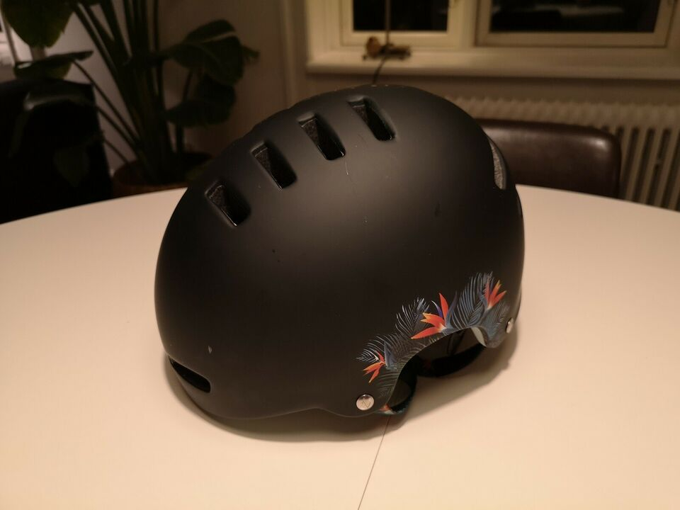 Cykelhjelm, Lazer Armor