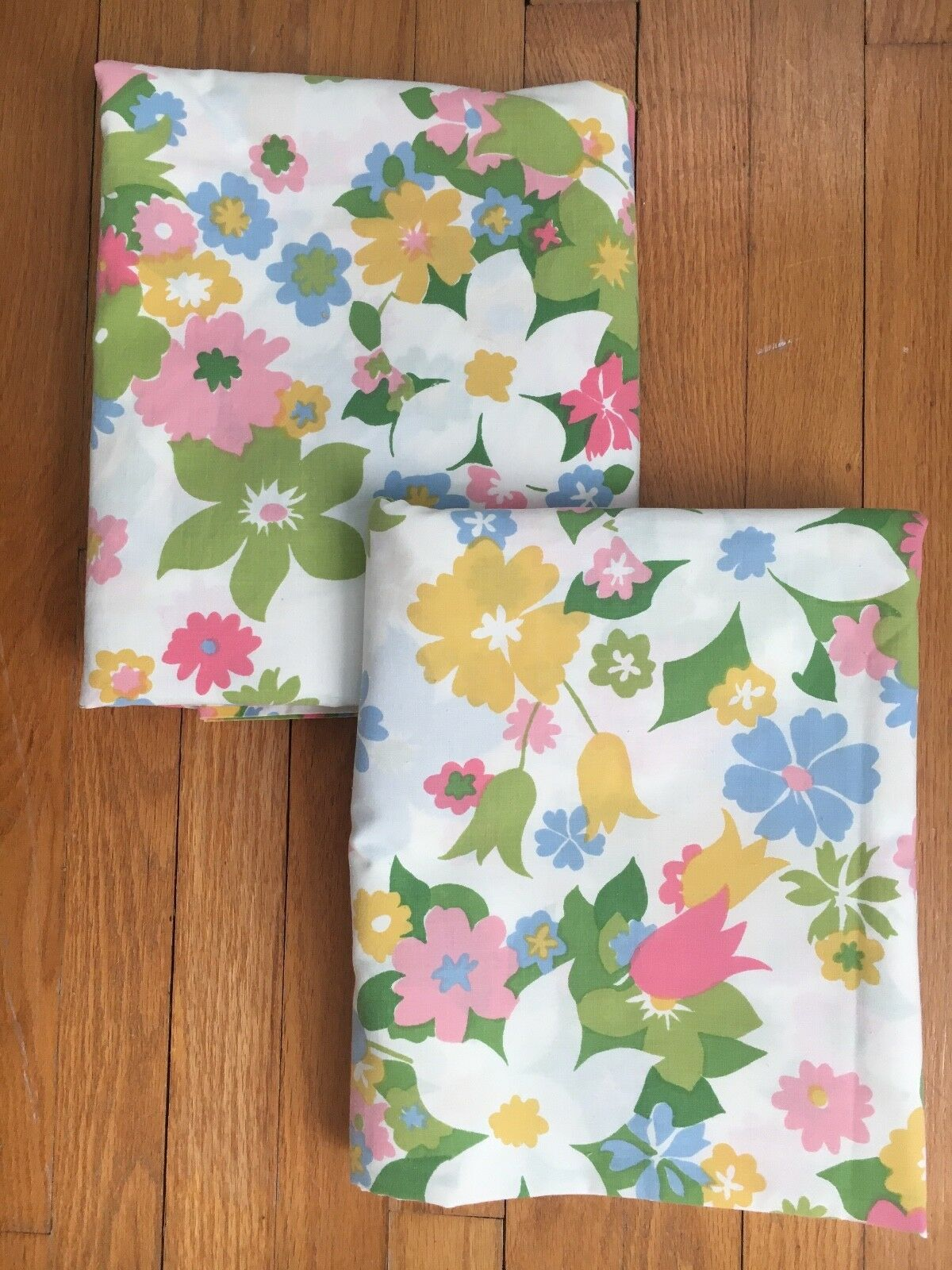 Pair of Vintage Canon Monticello Floral Full Flat Sheets 6 yards Vtg Fabric