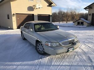 2005 Lincoln Town Car limited