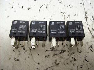 SAAB 95 9-5 YS3E Original 4 Stück Tyco Relais 90414477