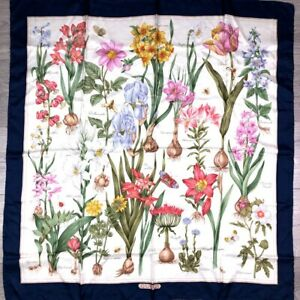 Vintage-80s-Gucci-Floral-Print-Silk-Scarf-Authentic-PRE-OWNED-scarf
