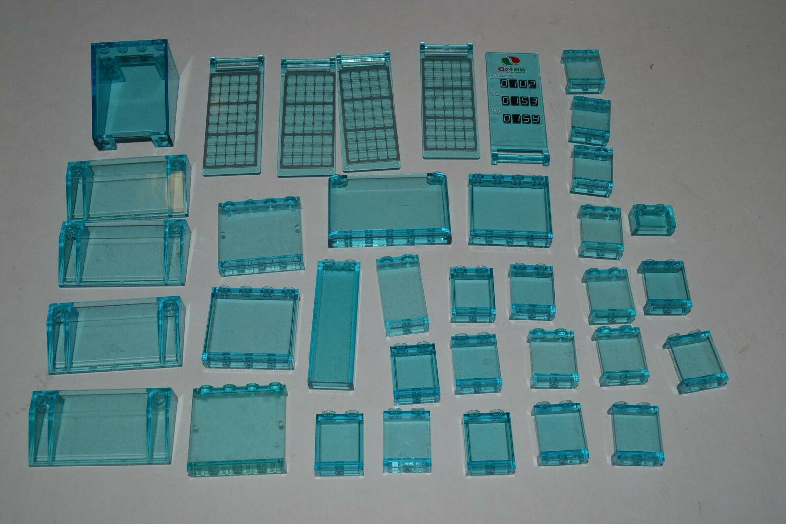 Lego Lot of Transparent Trans-blu Panels Walls Parts Windows ADGP