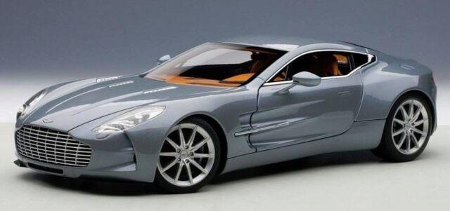 1:18 Autoart Aston Martin One-77 ( Villa D'Este Azul)