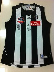 COLLINGWOOD-2010-PREMIERS-JUMPER-HAND-SIGNED-COACH-MALTHOUSE-AND-CAPT-MAXWELL