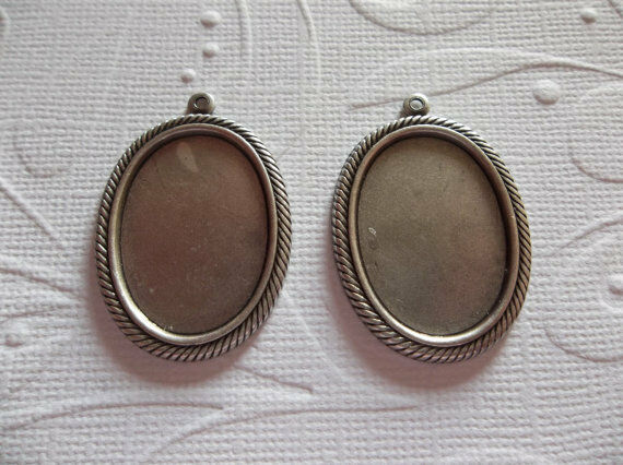 18X13mm Settings - Antiqued Silver - Rope Edge Bezels - For Cameos or Cabochons