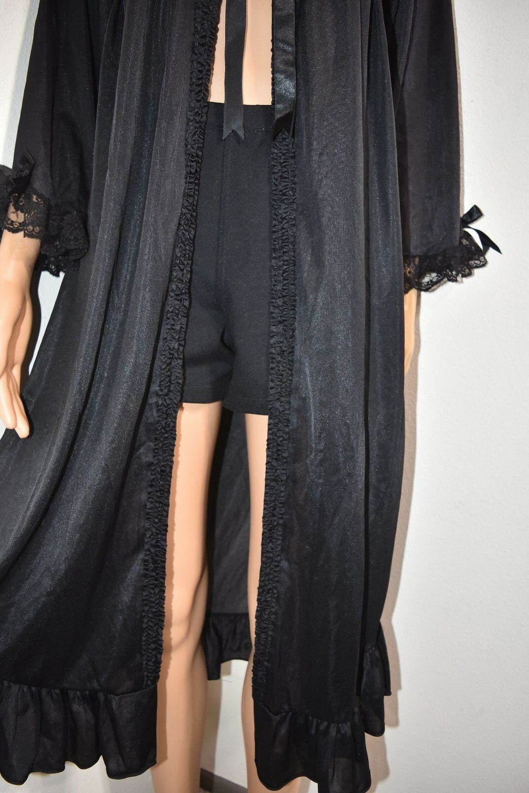Vtg Peignoir Robe Embroider Floral lace black Ruf… - image 5