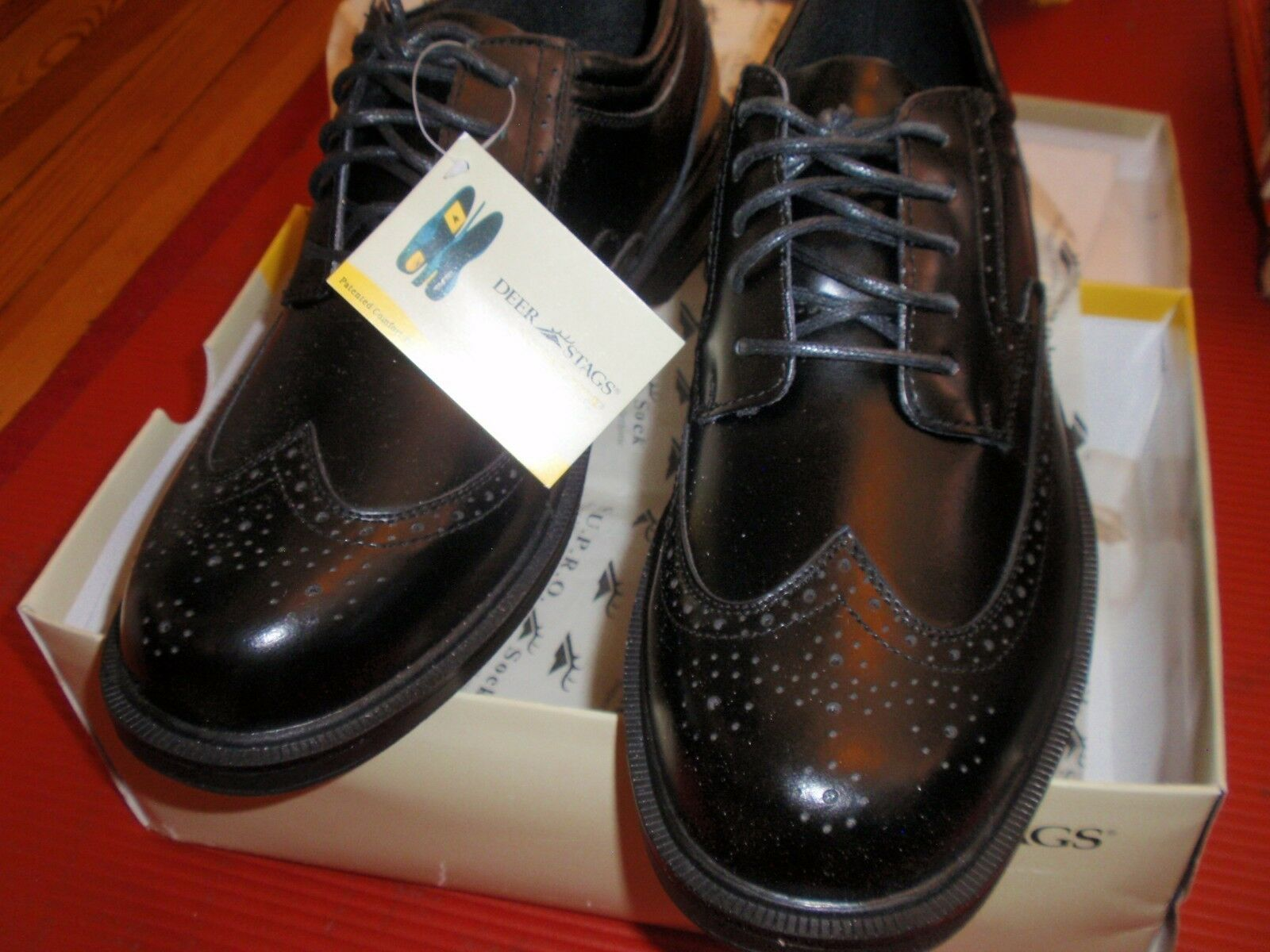 1 NEW PAIR OF MENS DEER STAGS  SIZE 13 LEATHER SHOES  BLACK SUPRO SOCK