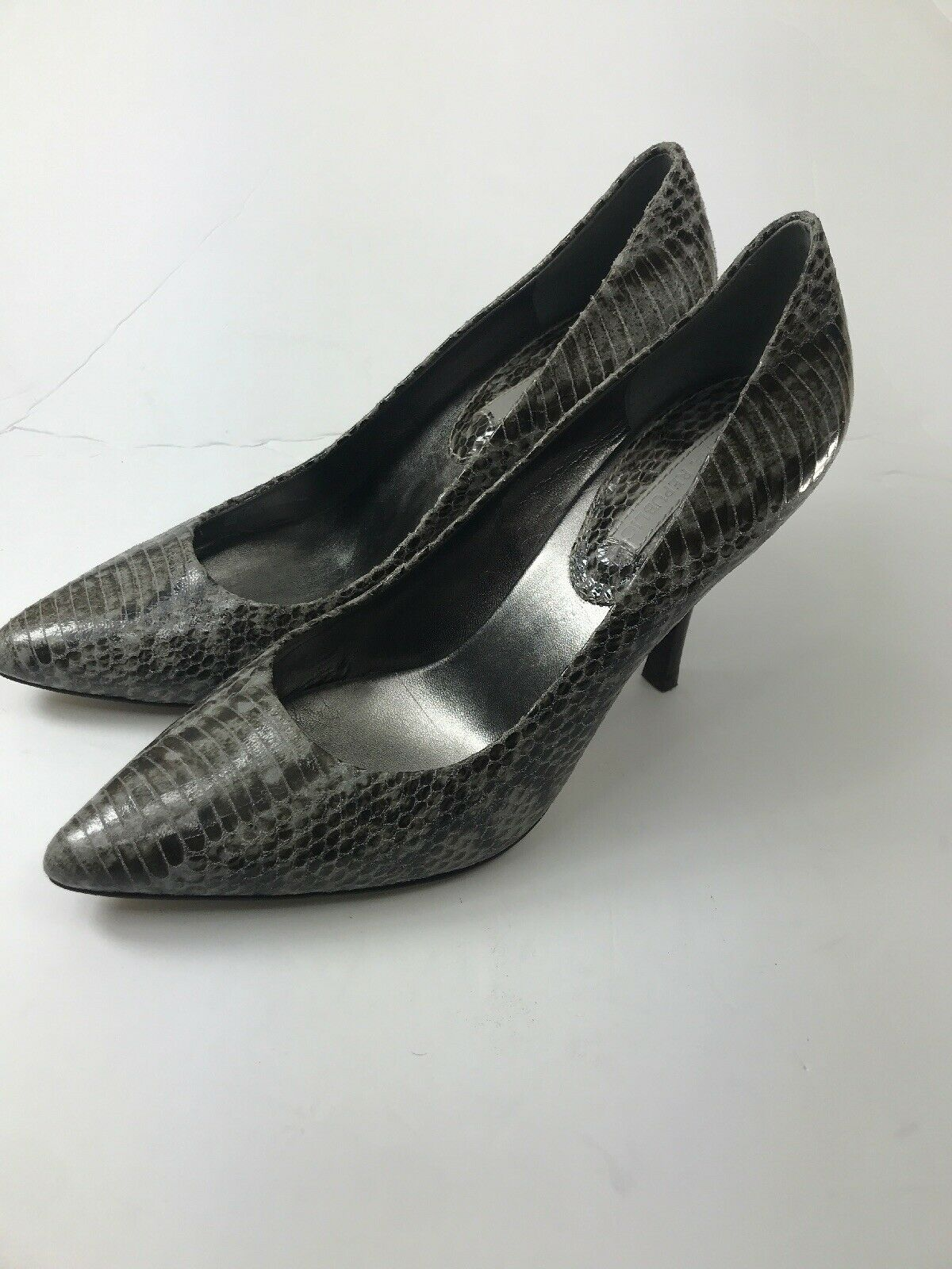 Banana Republic Women's Size 10M SnakeSkin Leather Classic Pumps Heels