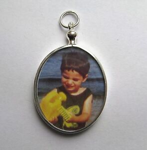 Sterling-Silver-Small-Oval-picture-Locket-pendant