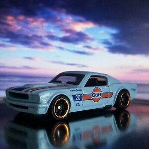 HOT WHEELS 1965 FORD MUSTANG 2+2 FASTBACK 1:64 SCALE CAR LOOSE WHITE PAINT