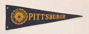 Vintage-1950s-University-of-Pittsburgh-College-Seal-Mini-Felt-Pennant-3-5-034-x9-034