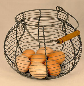 New-Primitive-Shabby-Farmhouse-Chic-RUSTY-WIRE-EGG-BASKET-Vegetable-Fruit-Bowl