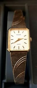 Vintage Ladies PULSAR V10-5380 Quartz 9 Carat Gold Plated Wristwatch. Japan Mvt