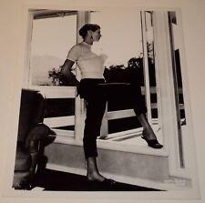 ANITA EKBERG /  STUNNING  8 x 10  B&W  PHOTO