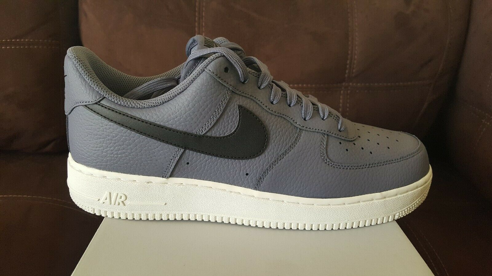 Nike Mens Size 11.5 Air Force 1 '07 Low shoes Light Carbon  Black  AA4083 006