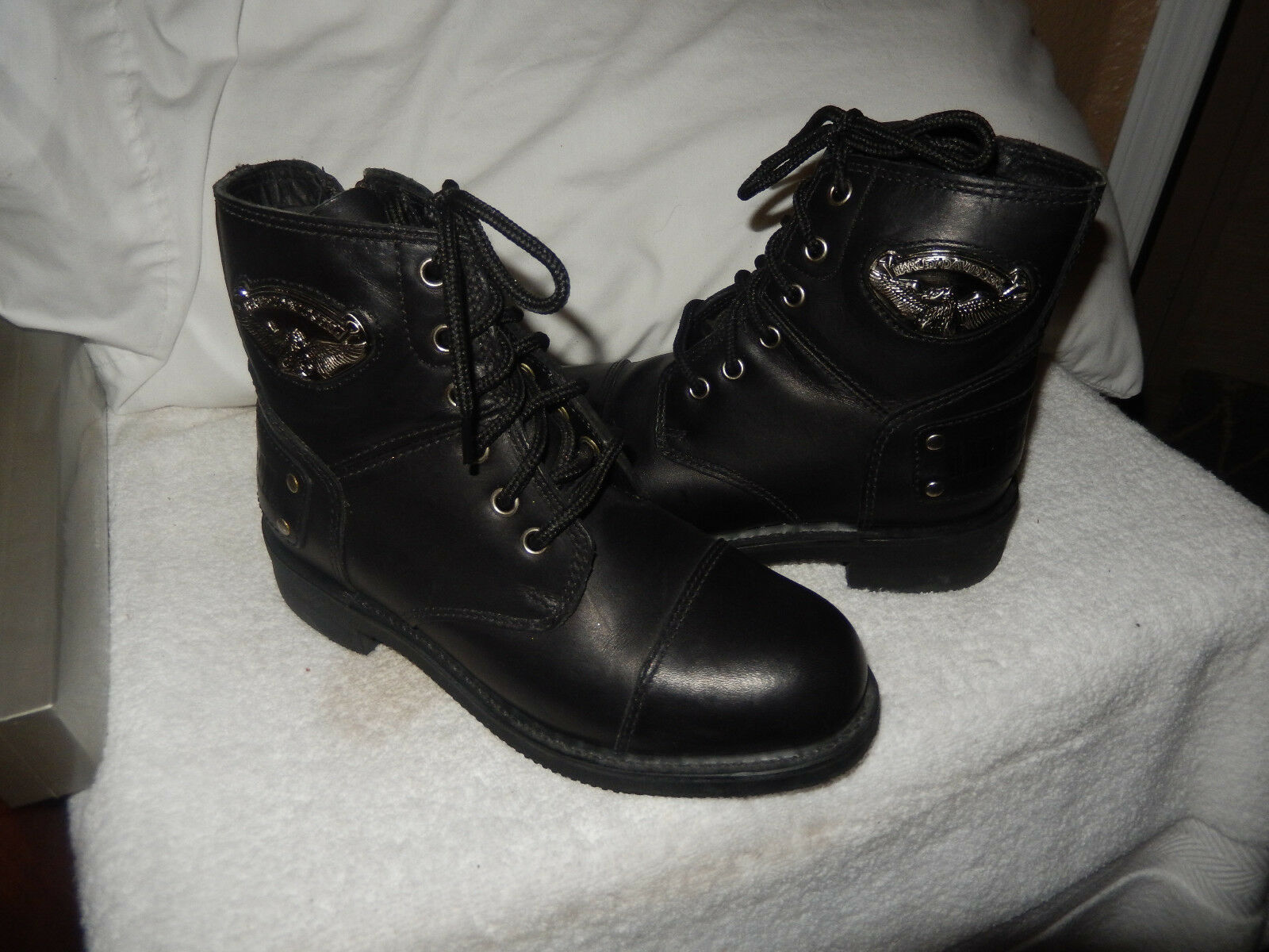 Harley Davidson Boots: Women's Leather Motorcycle Side Zip Logo Boots 88008 6.5
