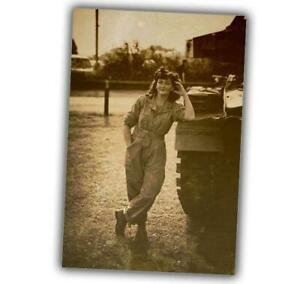 War-Photo-the-woman-in-the-war-Nice-Sexy-Girl-near-armored-vehicles-WW2-4x6-V