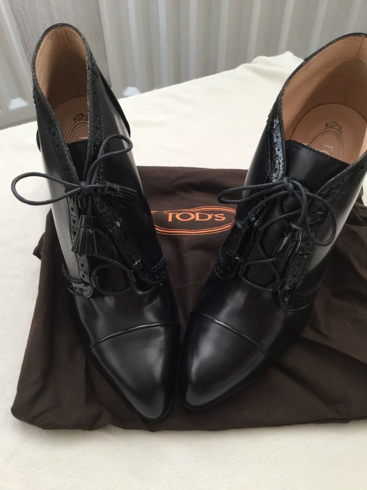 Tod's Boots Black Leather Boot  size UK 7,EU40