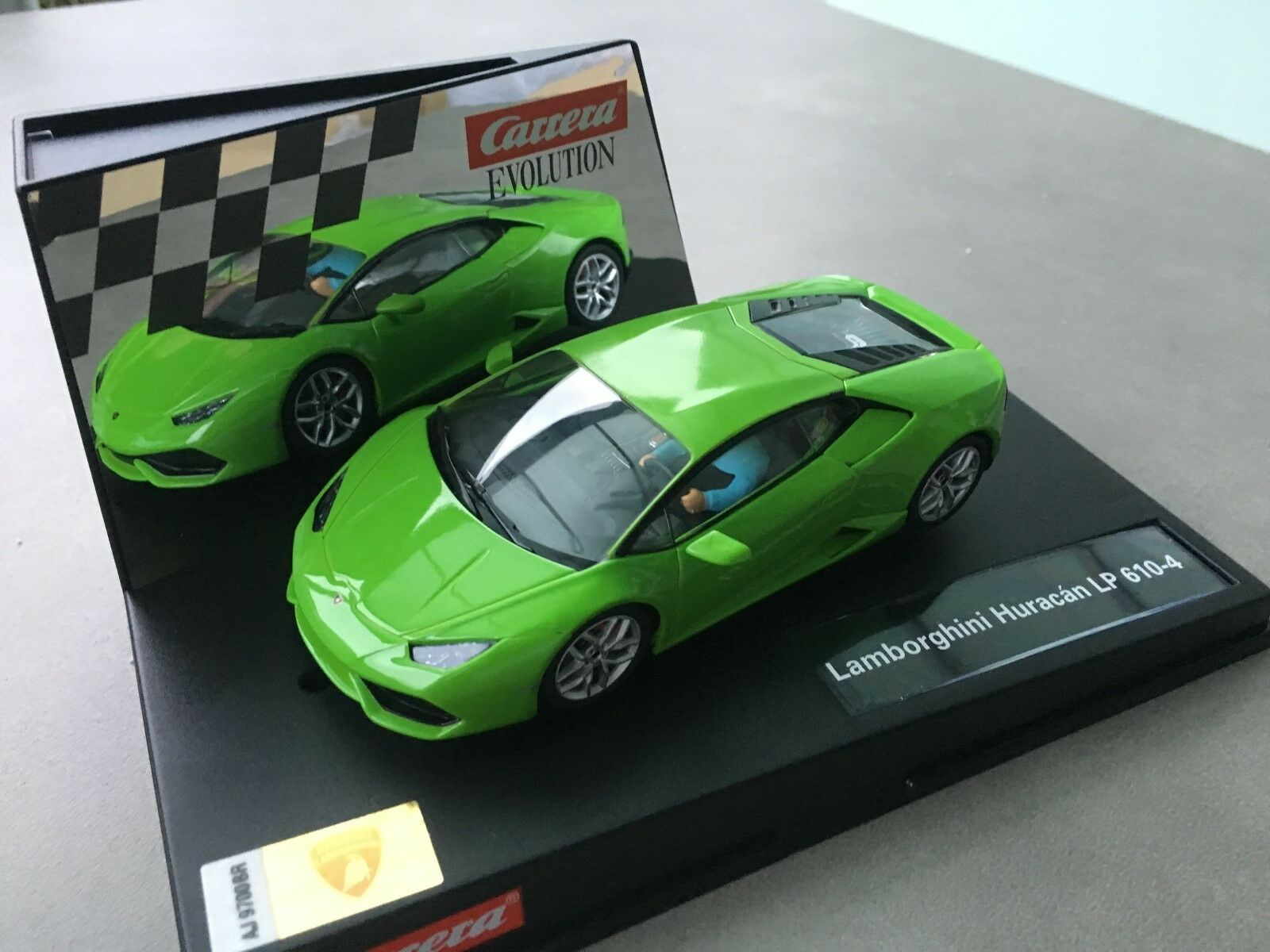 Carrera Evolution 27493 Lamborghini Huracan LP 610-4 NIP