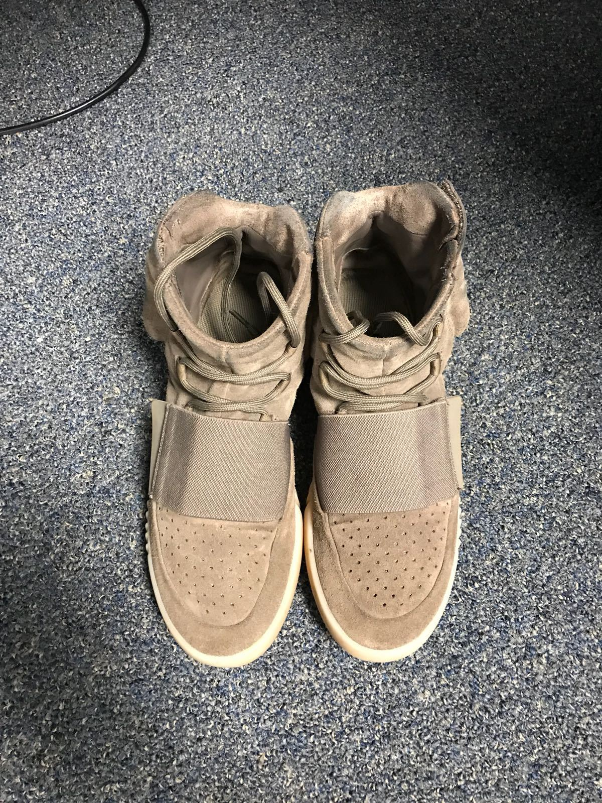 100% Authentic Adidas YeezyBoost 750 Brown Size 9.5