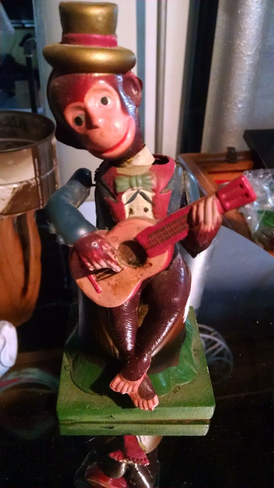 Vintage 1940's 7  Tin Celluloid Wind-Up Guitar Playing Monkey Toy Japan