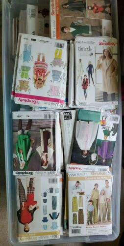 LOT 50 NEW Simplicity Sewing Patterns Uncut Women/'s Clothes Bags Dog Kids Mens