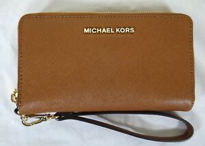 buy popular 33a63 01ea8 Details about Michael Michael Kors Luggage Large Flat Multi Function Phone  Case Wristlet