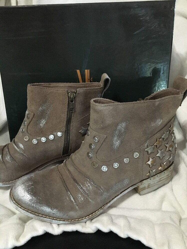 Womens Mia Limited Edition MLE Marshal Taupe Suede Size 7 M boots