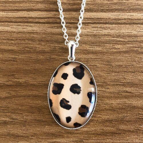 Collar estampado de leopardo