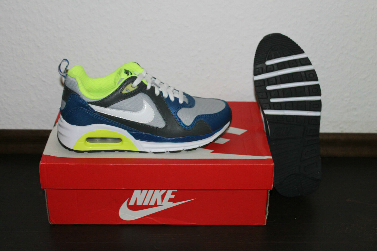 Nike Air Max Trax Damen Running Schuhe Grau Weiß Blau Größe 36,5 38 oder 38,5