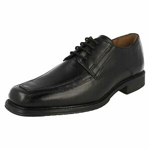 SALE  Clarks 'Driggs Walk' Gents Black Leather Lace Up Derby Shoes ... fa79514ae696