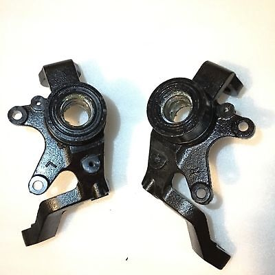 YAMAHA RHINO 660 4X4 FRONT DRIVER SIDE STEERING KNUCKLE 2004 2005 2006 2007