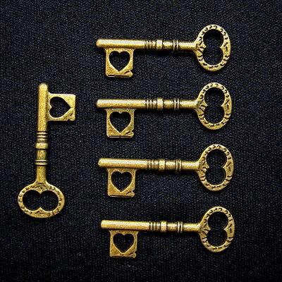 Skeleton Keys Steampunk 35mm Brass Heart Jewelry Lot of 5