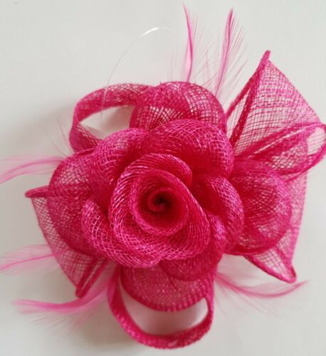 BELLISSIMO Fucsia Fascinator Piuma /& Flower Design Facinator Matrimonio 932